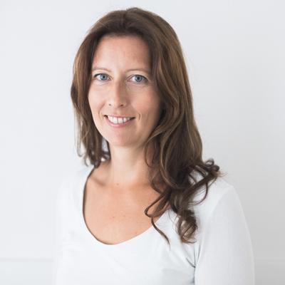 Dr. Xenia Illmer